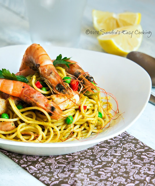 Spaghetti in Peas and Carrot Sauce with Scampi Recipe