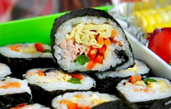 Delicious lunch box-kimbap(bento, dosirak,dosilag 도시락