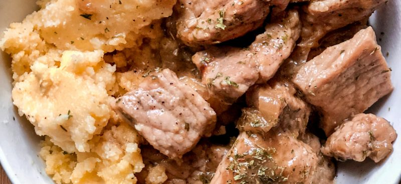 Cornmeal with Pork and Onion