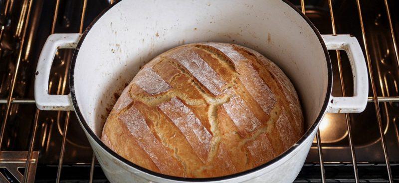 Dutch Oven Bread: Bread for beginners