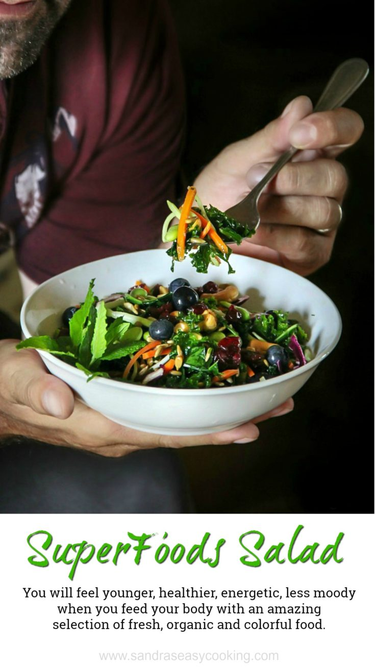 We will feel younger, healthier, energetic and less moody when we feed our body with an amazing selection of fresh and colorful food, such as this amazing salad.