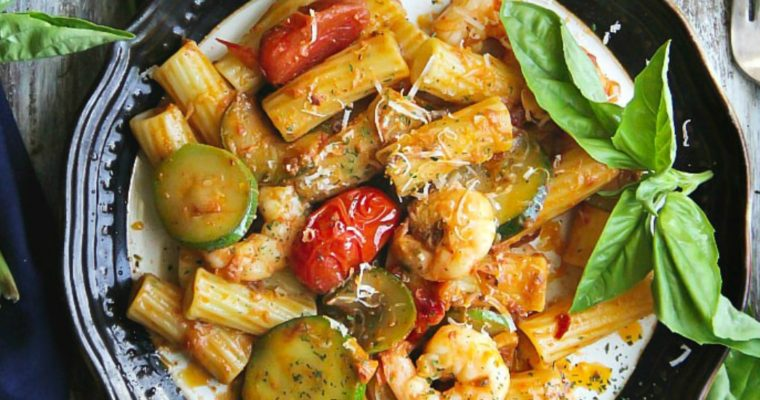 Tomato Pesto Pasta with Shrimp and Zucchini