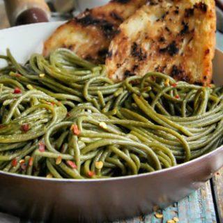 Olive Oil-Garlic Green Spaghetti