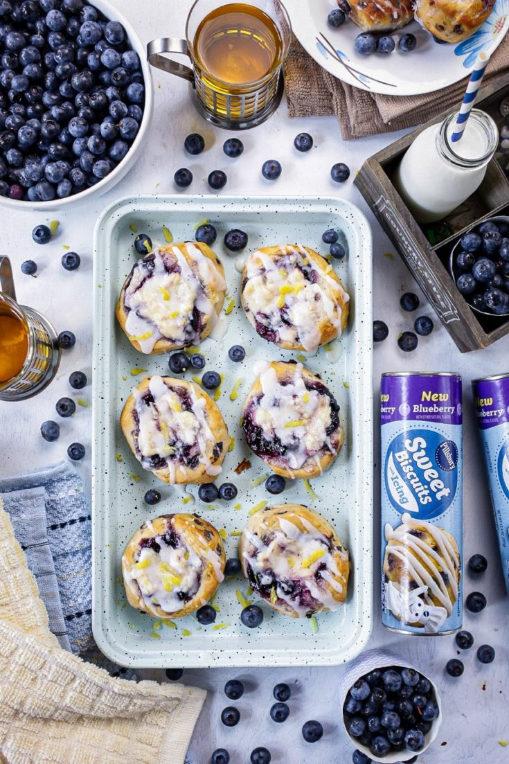 #adWhat better way to start your morning than with a cup of coffee or tea and a nice, delectable Blueberry Cream Cheese Biscuit Danish. Warm, sweet, delicious and most definitely an easy breakfast, brunch or dare I say dessert. #pillsburypartner@Publix@Pillsbury https://www.readyplansave.com