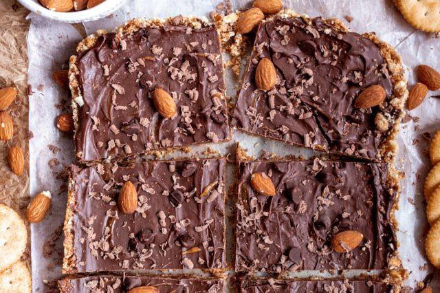 No-Bake Chocolate Almond Butter Ritz Bars