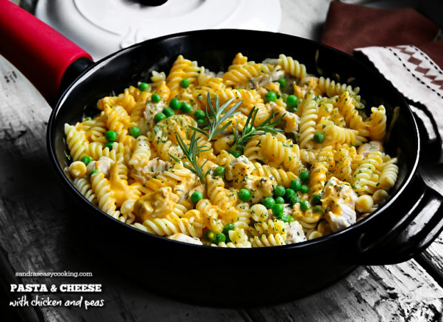 Pasta and Cheese with Chicken and Peas